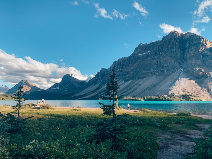 Bow Lake, Icefields Parkway, Banff Travel Guide