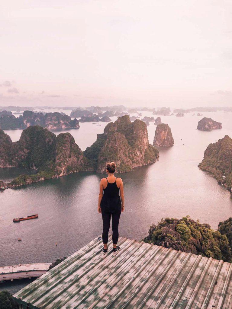 Best camera for bloggers - Ha Long Bay in Vietnam